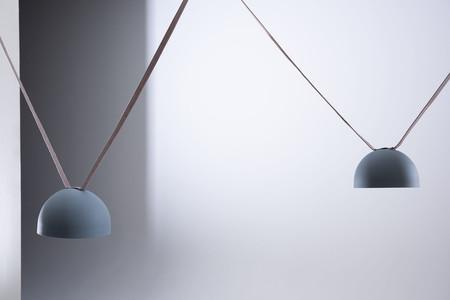 Plusminius hecha con cintas, es la nueva luminaria de Vibia de espíritu joven y versatil