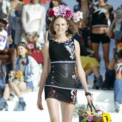 Foto 8 de 24 de la galería desigual-ha-sido-la-firma-encargada-de-inaugurar-la-primera-edicion-de-la-pasarela-mercedes-benz-fashion-week-ibiza en Trendencias