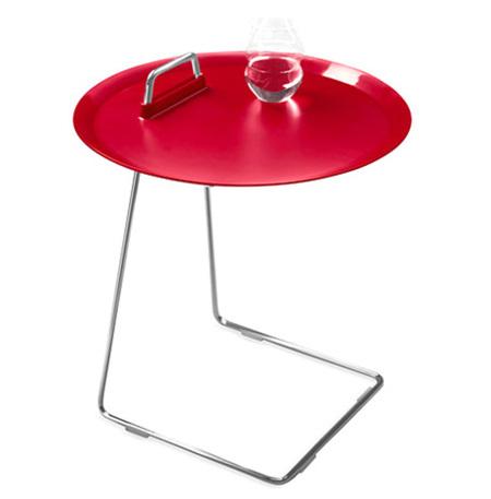 Una mesa auxiliar para comer en el sofá o en la cama