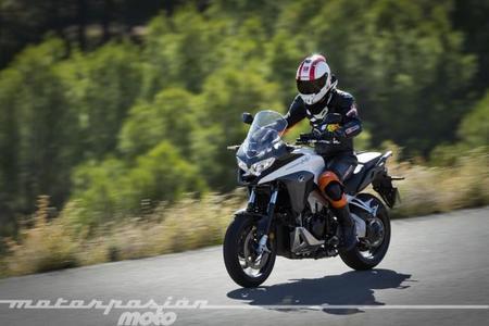Honda VFR800X Crossrunner, prueba (conducción en ciudad, carretera y autopista)