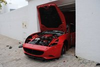 Dolorpasión™: otro Ferrari sufre la ira de los tunecinos