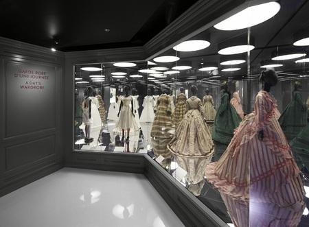 Louis Vuitton y Marc Jacobs inauguran una exposición en París