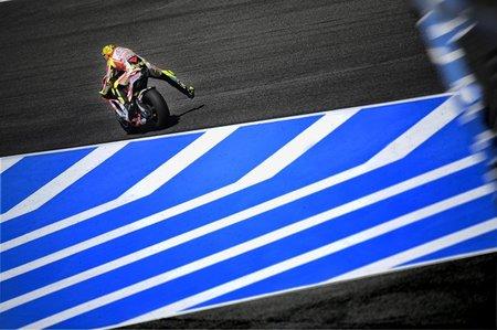 Valentino Rossi vuelve a los puestos de cabeza