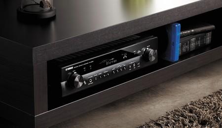 ¿Quieres comprar un receptor AV pero no tienes mucho sitio? Estos tres modelos podrás instalarlos en casi cualquier parte