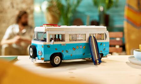 LEGO Volkswagen T2 Camper Van Creator Expert