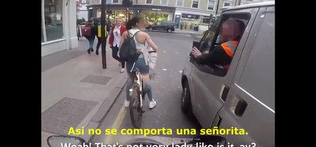 Esta ciclista tiene la solución perfecta contra el acoso callejero: reventar retrovisores
