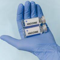 Baja California está por vacunar contra COVID al 100%, a unos kilómetros BC Sur enfrenta su repunte más alto de casos