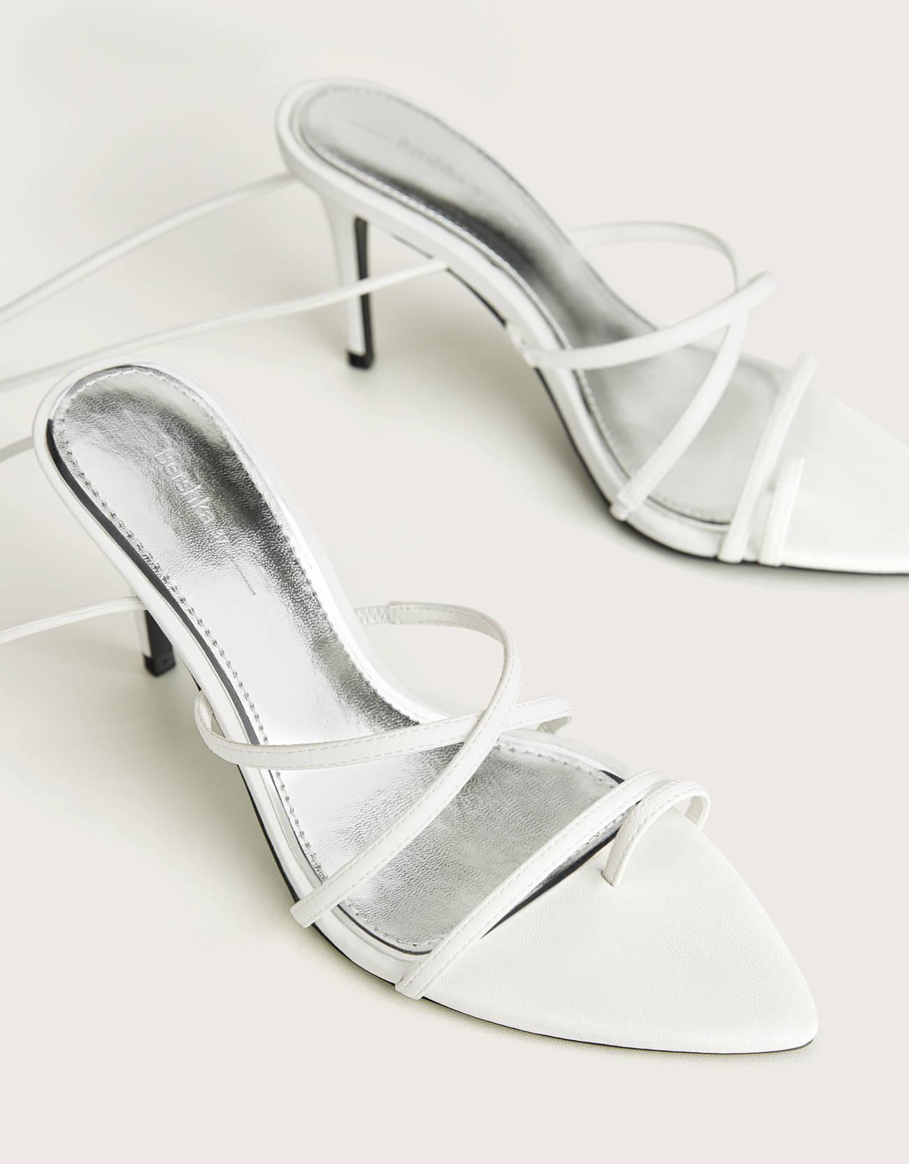Sandalia tacón tiras para atar al tobillo