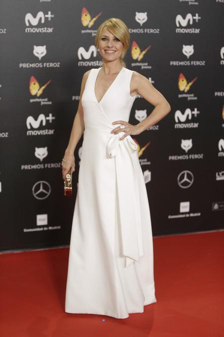 premios feroz alfombra roja look estilismo outfit Cayetana Guillen Cuervo