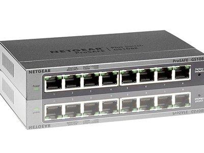 Oferta flash: si se te quedan cortos los puertos de tu router, el Netgear GS108E-300PES te lo solucionas por 35,24 euros en Amazon