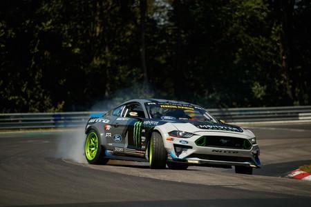 Así es hacer drift en Nürburgring con un Ford Mustang RTR de 900 CV, de la mano de Vaughn Gittin Jr