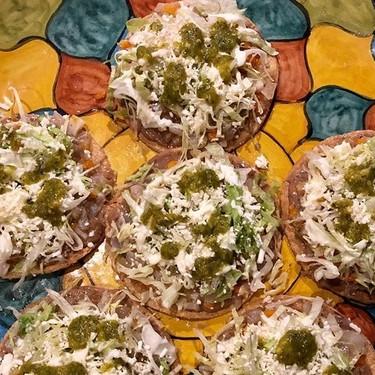 Tostadas de pata. Receta de la cocina tradicional mexicana