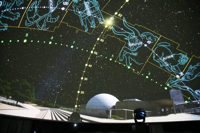 Viajar por los confines del universo: el Planetario de Madrid reabre sus puertas