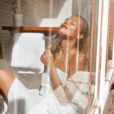 Siete cremas corporales en spray para mantener la piel hidratada de forma fácil y rápida