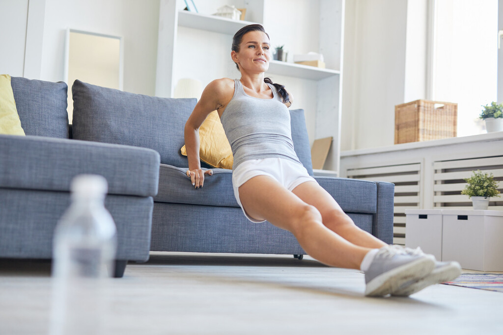 Un plan de entrenamiento en casa para toda una semana: qué hacer cada día, de lunes a viernes