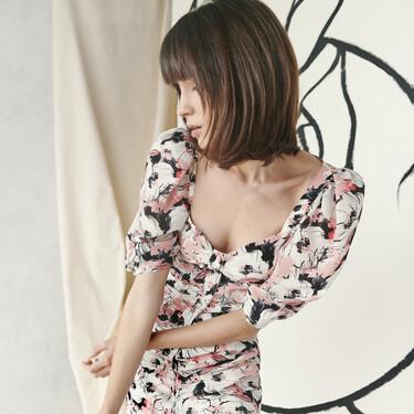 Tamara Falcó ha diseñado una romántica colección de looks ideales para lucir todo el verano y el resultado te va a encantar