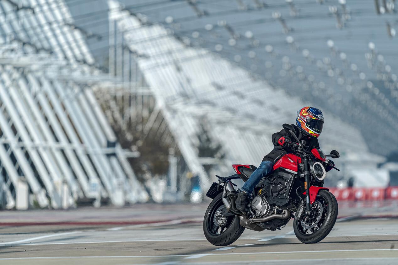 Foto de Ducati Monster 2021 (13/20)