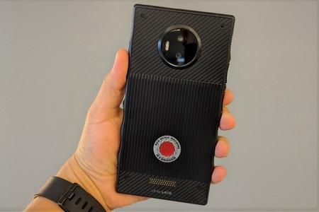 """Hydrogen está muerto, RED cancela los smartphones que prometían una """"pantalla holográfica"""""""