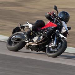 Foto 76 de 111 de la galería husqvarna-nuda-900-y-900r-datos-y-fotos-oficiales en Motorpasion Moto