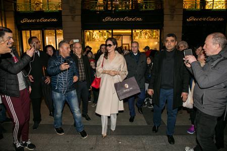 Angelina Jolie visita la Maison Guerlain de Paris con motivo del 190 aniversario