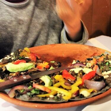 Pizza Tlayuda: la nueva fusión gastronómica de una cadena de comida rápida en México que está generando polémica