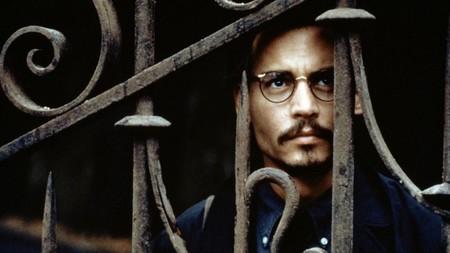 Por qué 'La novena puerta' es la mejor película basada en una novela de Arturo Pérez-Reverte