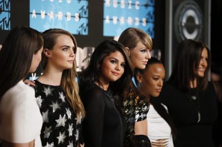 El look más discreto de Selena Gomez en los MTV Video Music Awards