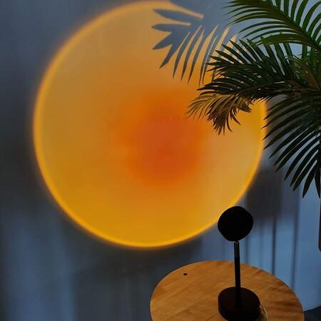 Siete lámparas o proyectores de atardecer ideales para decorar tu casa y conseguir un rincón lleno de magia