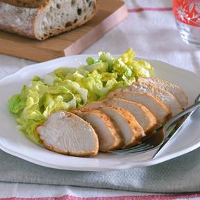 Nueve recetas con pechugas de pollo para mantener el propósito de comer ligero (sin aburrirnos de tanta pechuga a la plancha)