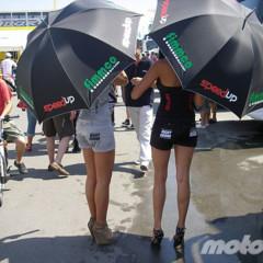 Foto 8 de 18 de la galería de-paseo-por-el-paddock-del-circuit en Motorpasion Moto