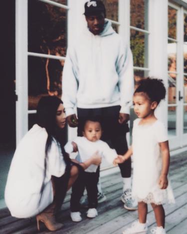 Ahora sí que sí, Kim Kardashian vuelve a publicar una foto en Instagram. ¿La tenemos de vuelta?