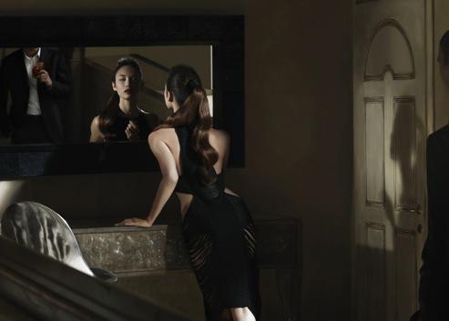 Foto de Olga Kurylenko, un bellezón para el nuevo calendario Campari (5/12)
