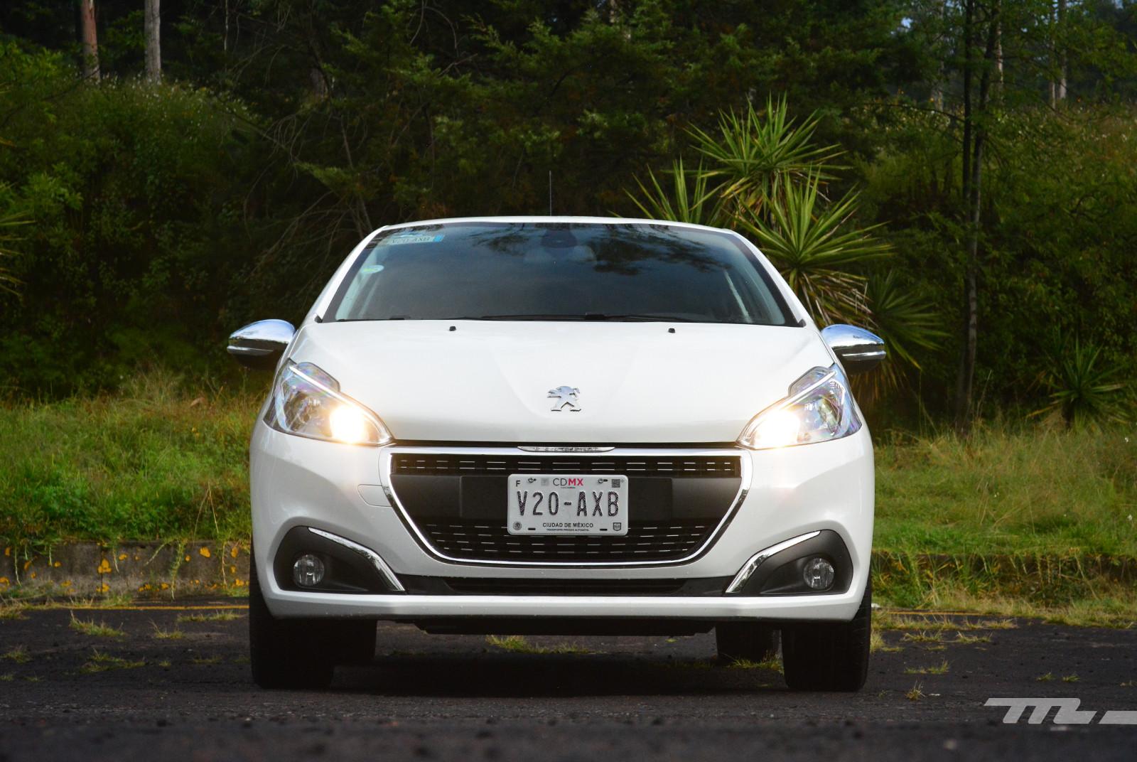 Foto de Peugeot 208 Puretech (4/17)