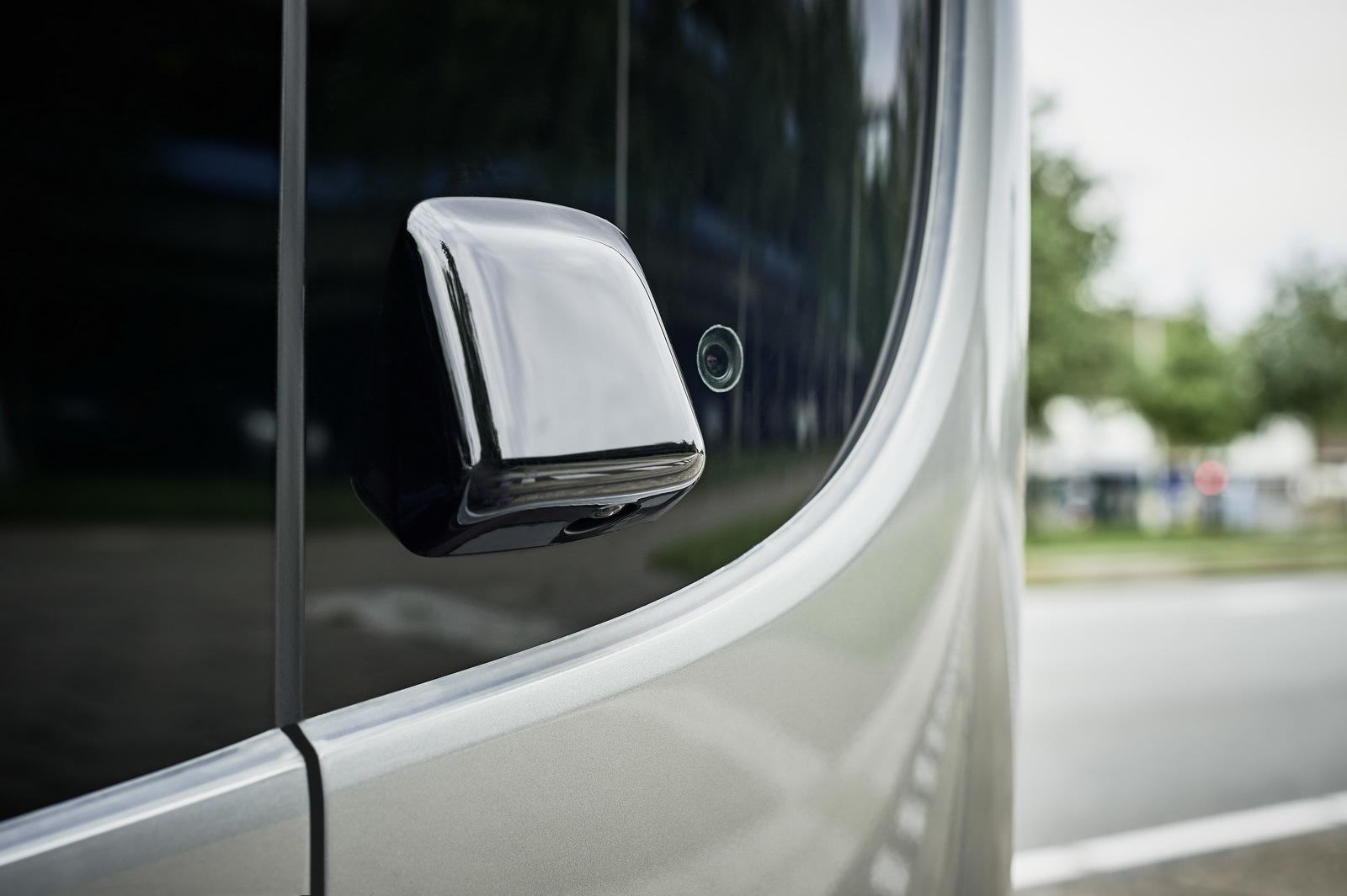 Foto de Mercedes-Benz Future Bus (13/36)