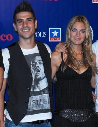 Amaia Salamanca y Álvaro de Benito 'monísimos' en el estreno de 'Space Chimps'
