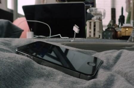 La adicción por la tecnología ha hecho que este hombre viva atrapado en su smartphone