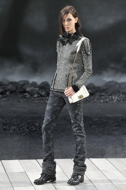 Foto de Chanel Otoño-Invierno 2011/2012 en la Semana de la Moda de París: el Apocalipsis de Karl Lagerfeld (10/17)