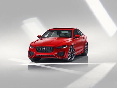 El Jaguar XE 2020 se torna más agresivo y tecnológico