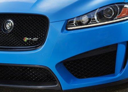 Jaguar XFR-S: de momento nos enseña un ojito y en Los Ángeles se descubrirá ante el mundo