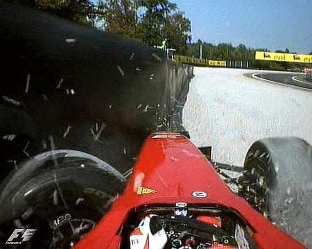 f1_giancarlo-fisichella-practicando-un-crash-test-en-la-parabolica-de-monza.jpg