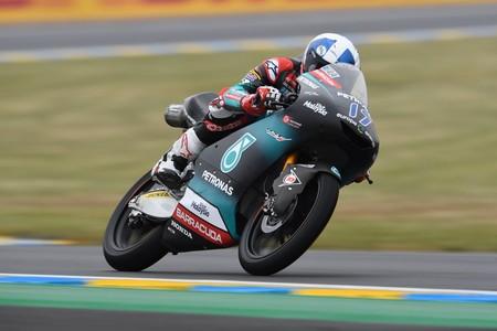 John McPhee se lleva una alocada carrera de Moto3 en Le Mans y Canet mantiene el liderato del mundial