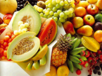 Piernas cansadas e hinchadas con el calor, remédialo con alimentos antioxidantes