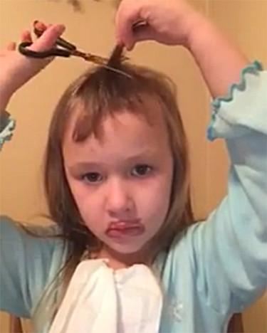 Cuando una niña coge unas tijeras y decide hacer un vídeotutorial sobre cómo cortarse el pelo