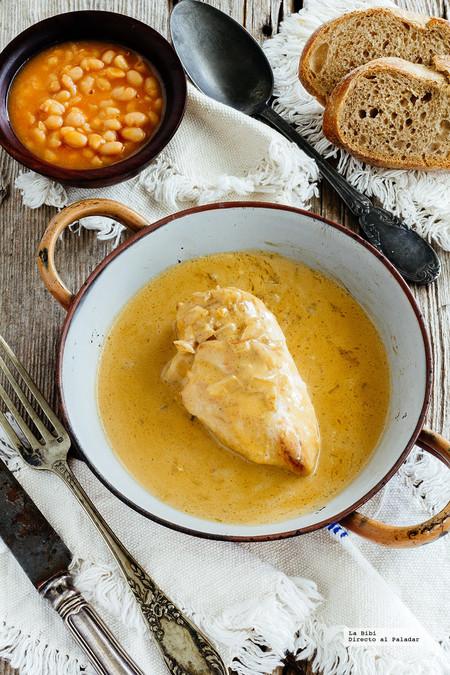 Pollo en salsa de queso azul