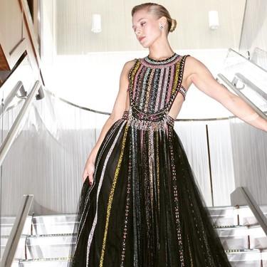 Kristen Bell enamora con su original vestido en los Premios Emmy 2019 (y logra el look de invitada perfecta a una boda)