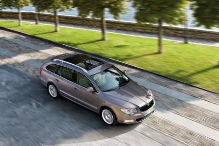 Precios y equipamiendo del Škoda Superb Combi