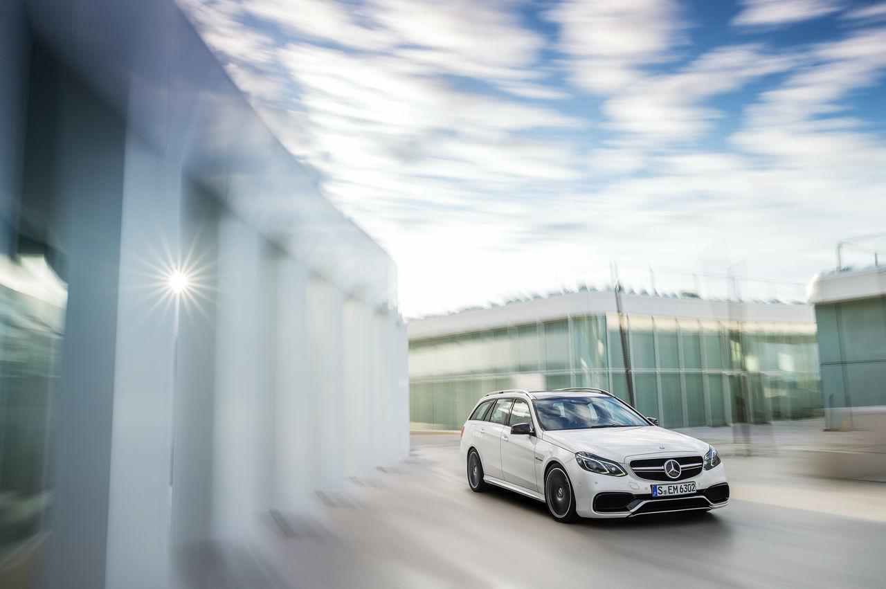 Foto de Mercedes-Benz E 63 AMG 2013 (25/31)