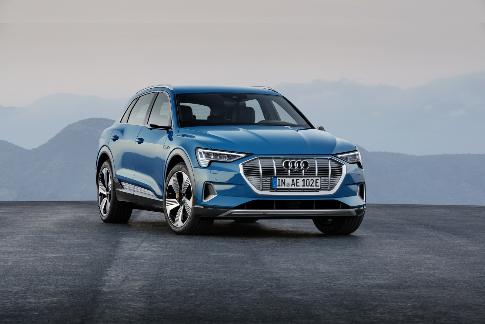 Foto de Audi e-tron (11/37)