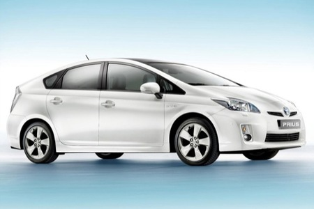 Toyota quiere competir con el Honda Insight creando un híbrido más económico
