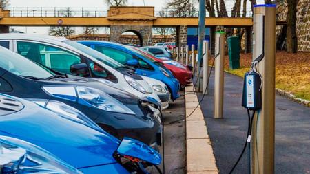 Canarias elimina el IVA en los coches eléctricos